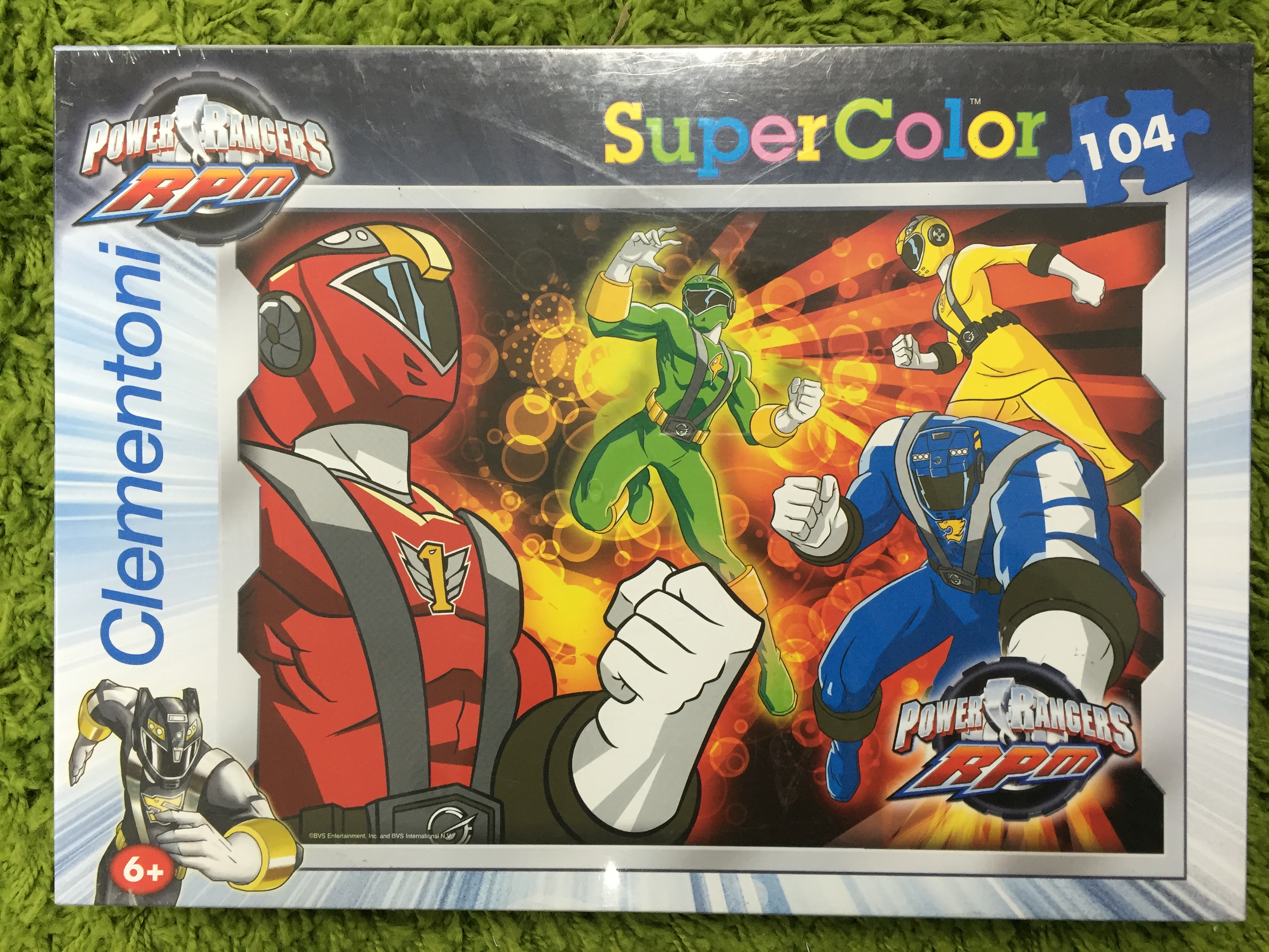 Puzzle 104db-os Power Rangers RPM kirakó