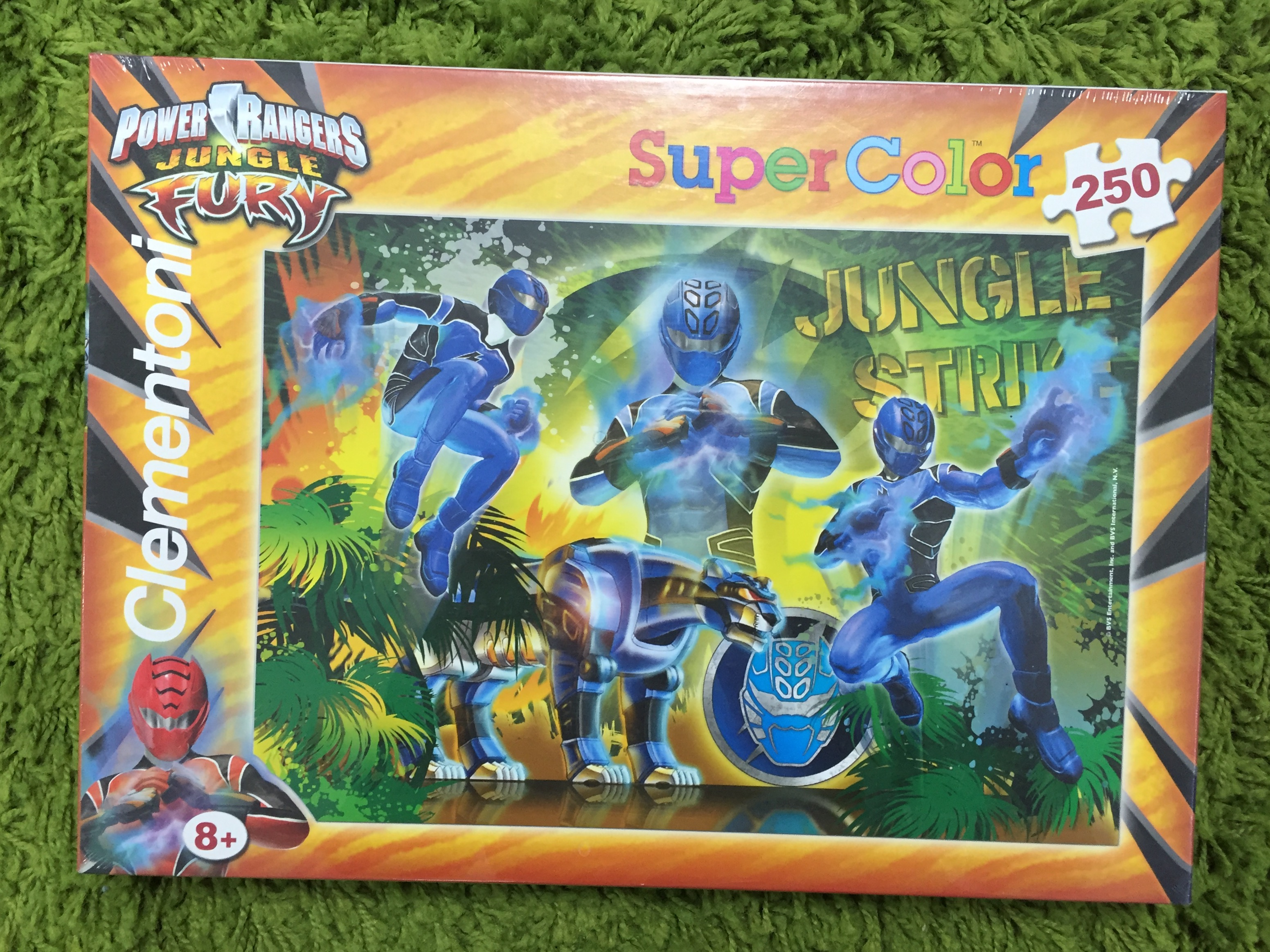 Puzzle 250db-os Power Rangers Jungle Fury kirakó